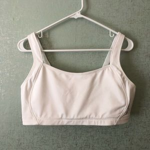 New Balance Breakthrough Sports Bra 38DD